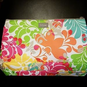 Thirty-One Zippered Thermal Lined Flat Tote NWOT